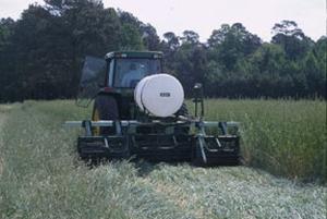 mechanical cover crop roller crimper